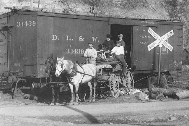 Dlw_railroad_wagon_1900